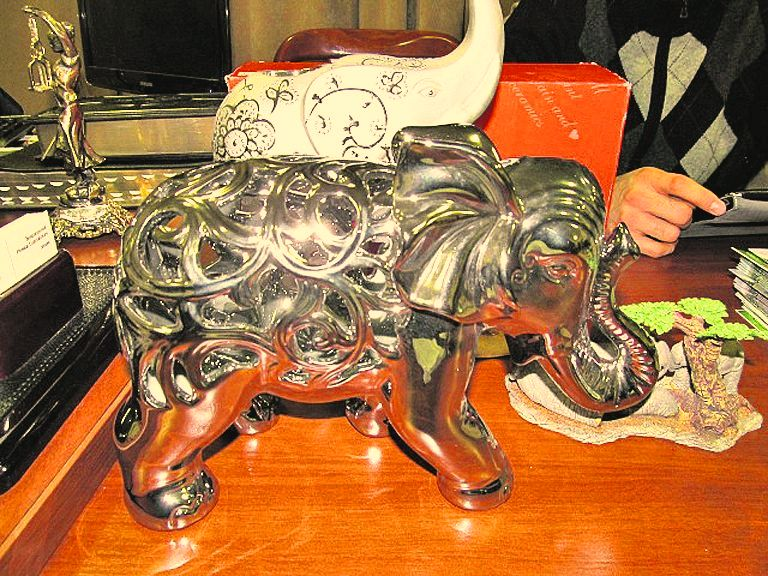 фигурка слон из шоколада